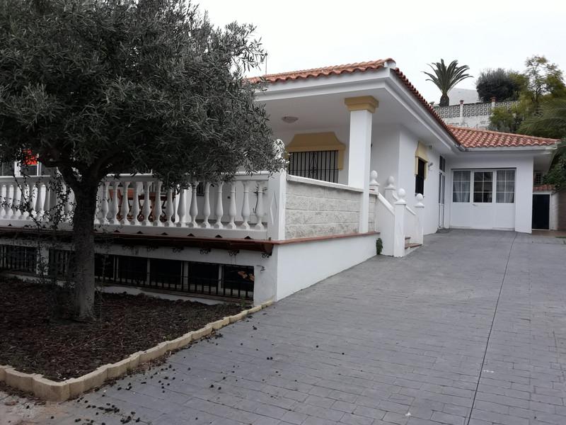 Villa – Chalet a la venta en Cerros del Aguila – R3363013