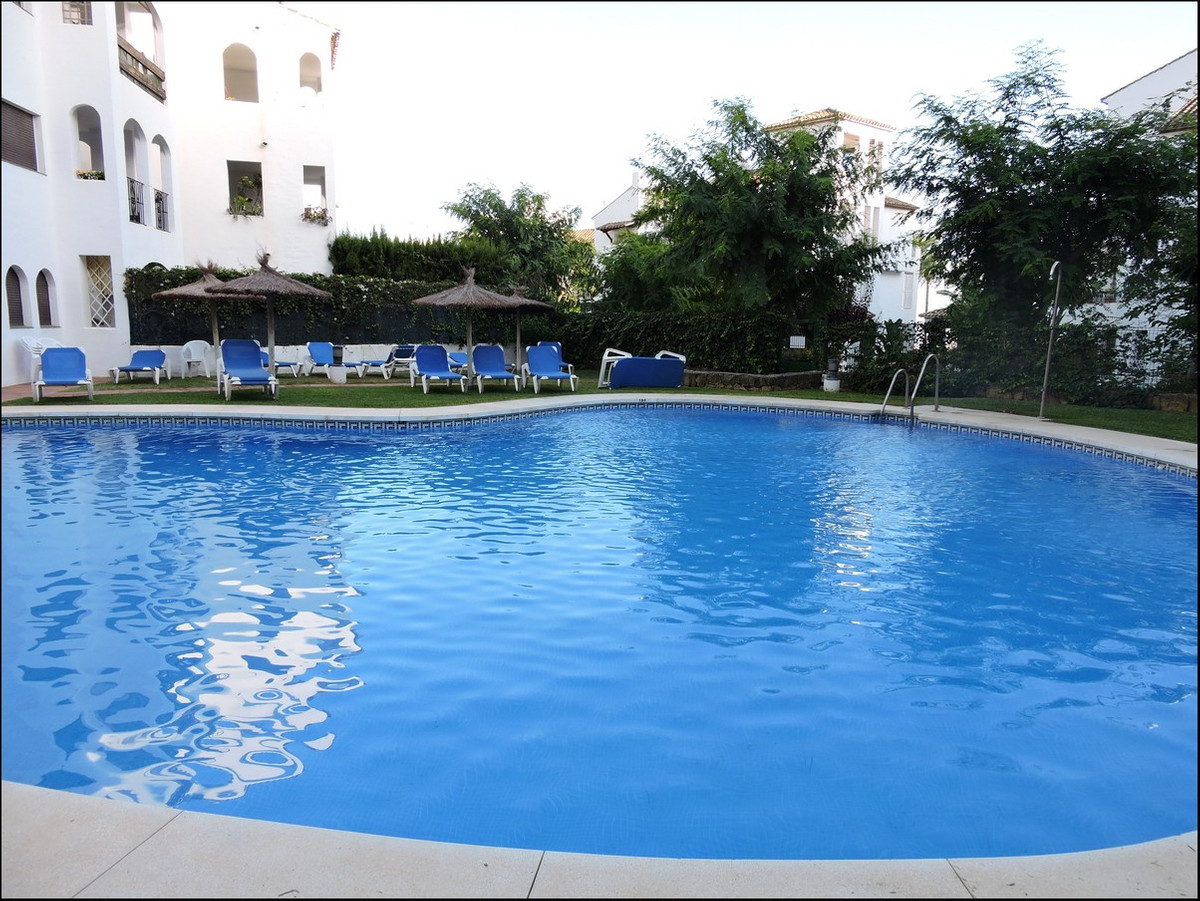 Gorgeous 3 bed apartment in Fuente Duquesa.  3 bedrooms with 3 bathrooms en-suite. Immaculate condit,Spain