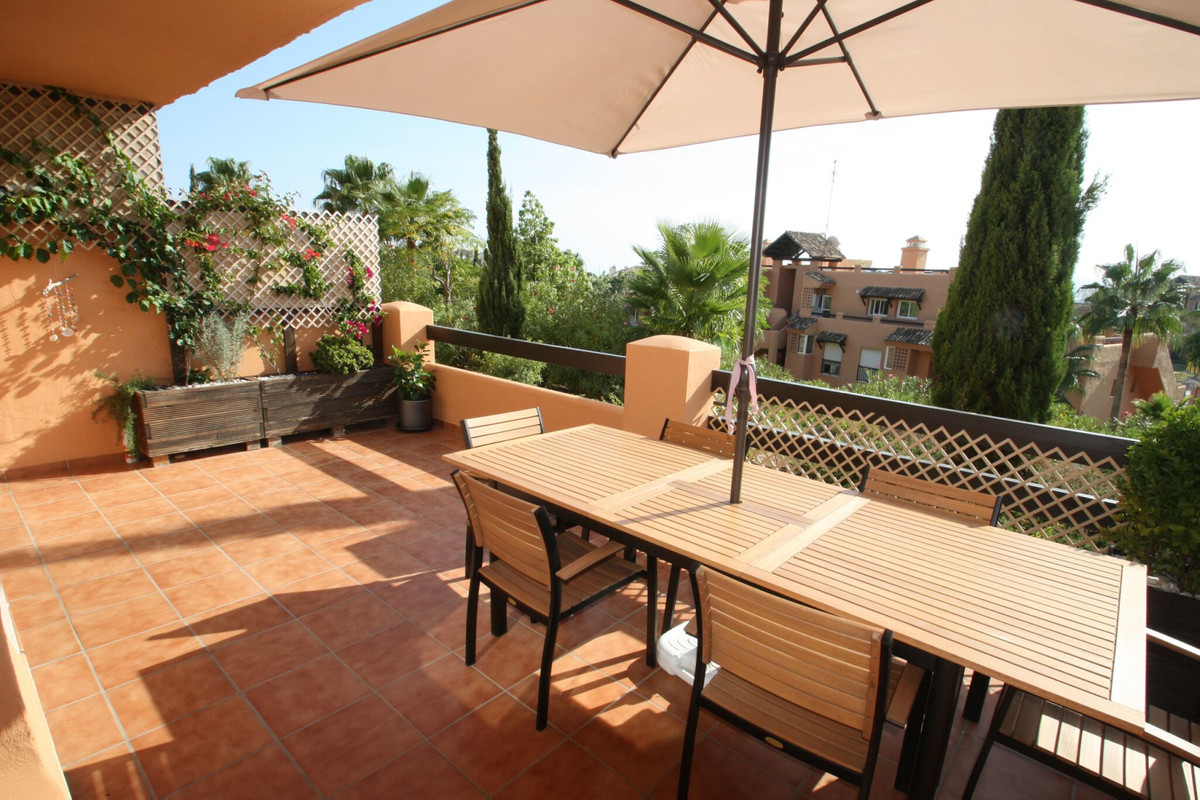 Fantastic 3 bed ground floor apartment now available. Completely ready to move in! it comes included, Spain