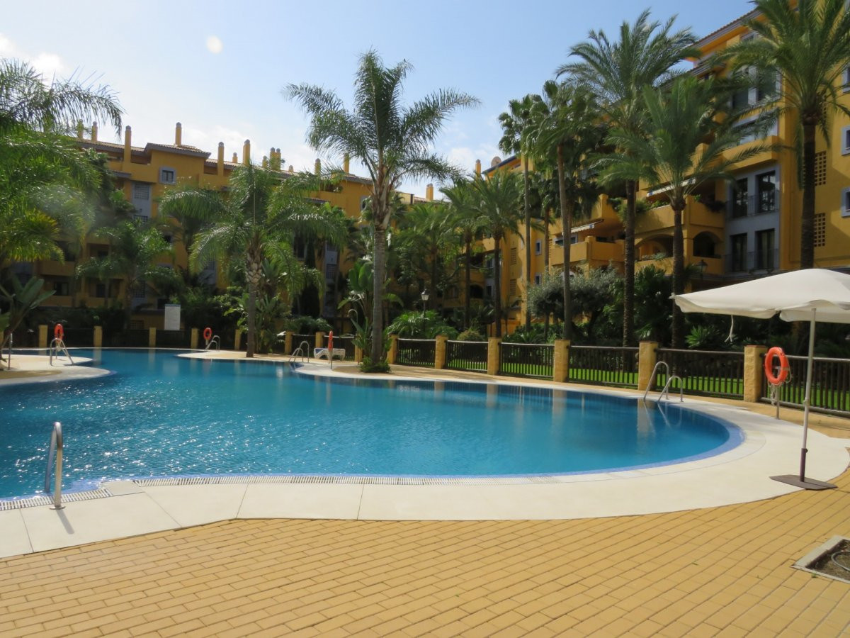 2 bedroom apartment with sea view and swimming pool in San Pedro de Alcantara, 250 m to the beach  F,Spain