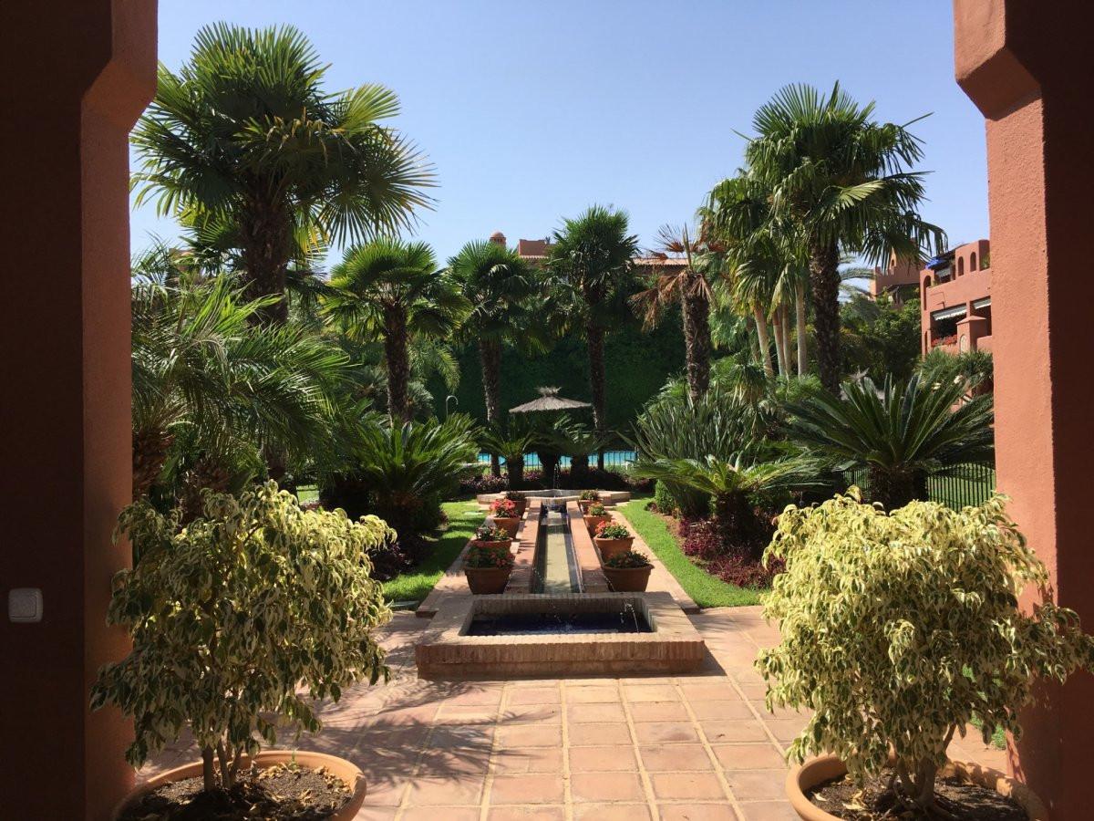 Lägenhet på mellanplan i Guadalmina Baja R3261238