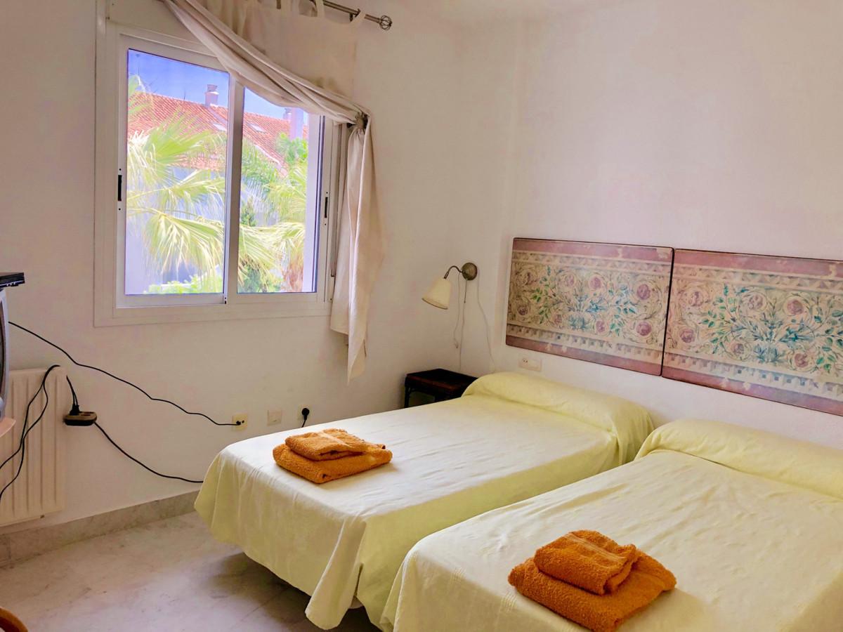 Apartamento Planta Media en Venta en Guadalmina Baja – R3575824