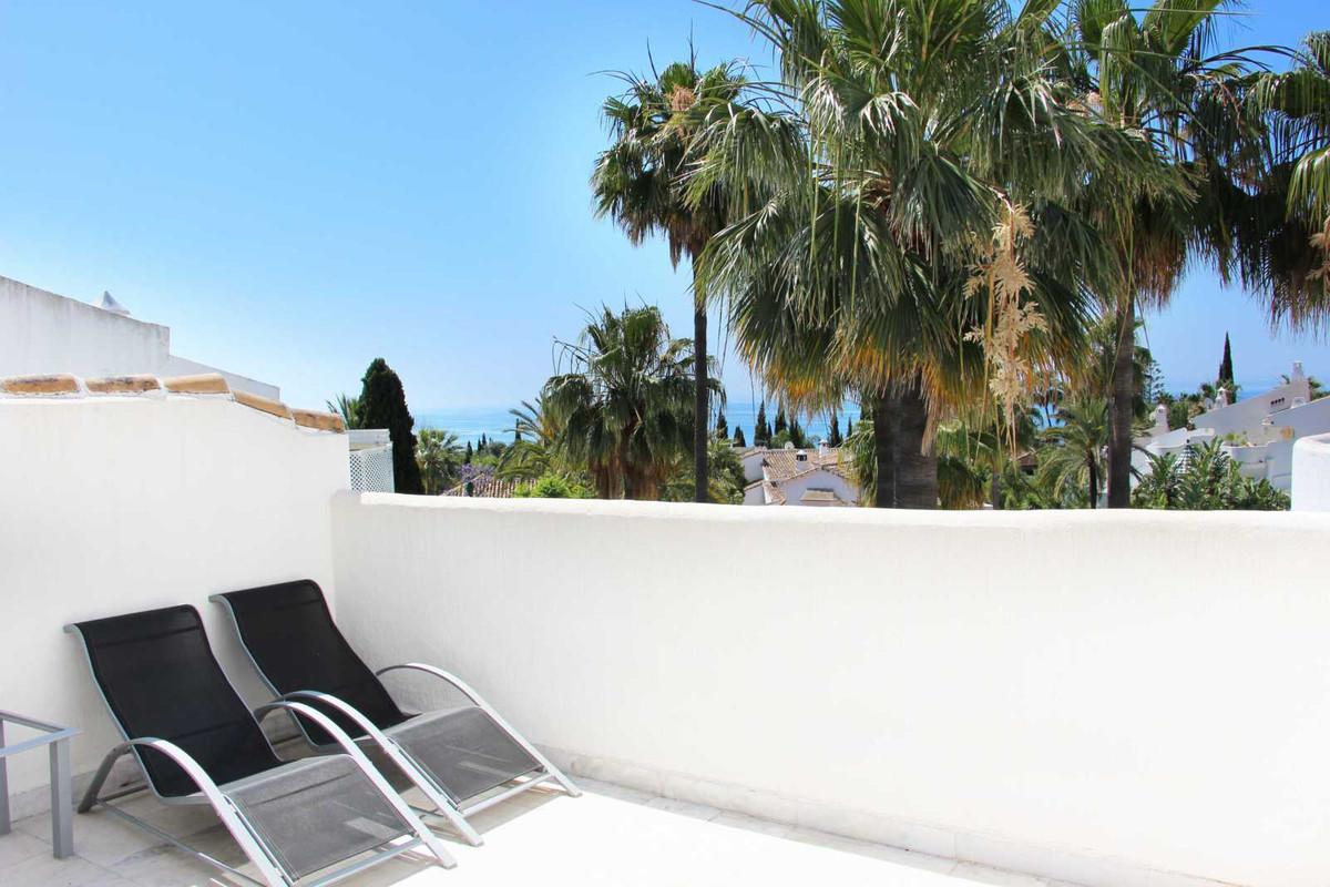 Adosado en Venta en Marbella – R2454851