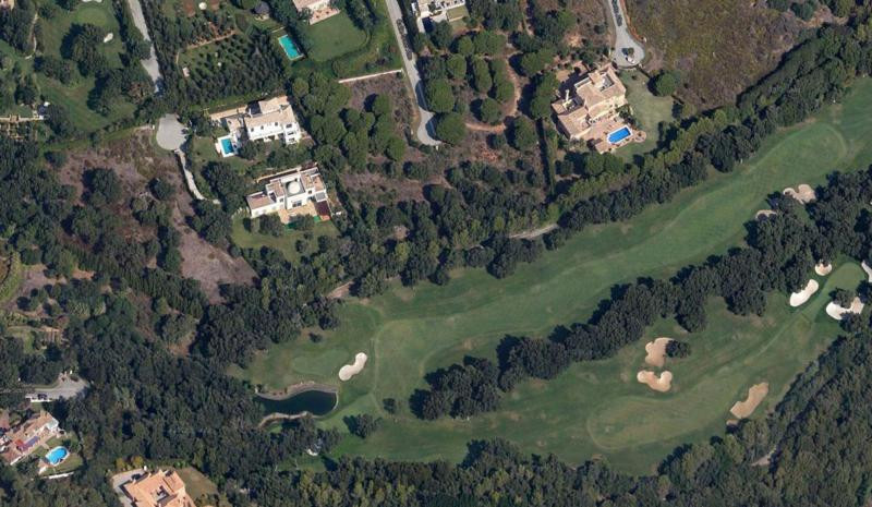Exclusive plot of urban land 11,000m2 frontline golf in the prestigious Valderrama golf course, Soto, Spain