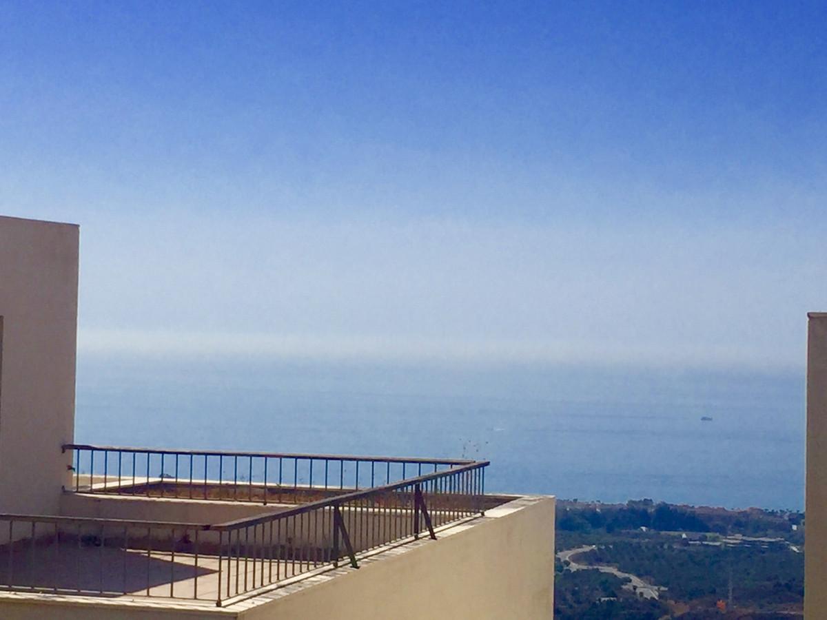 Marbella Banus Apartamento en Venta en Los Monteros – R3020117
