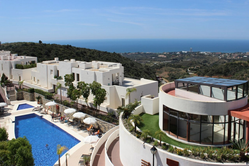 The urbanization Samara Resort is located just 7 minutes from the most incredible beaches in Marbell,Spain