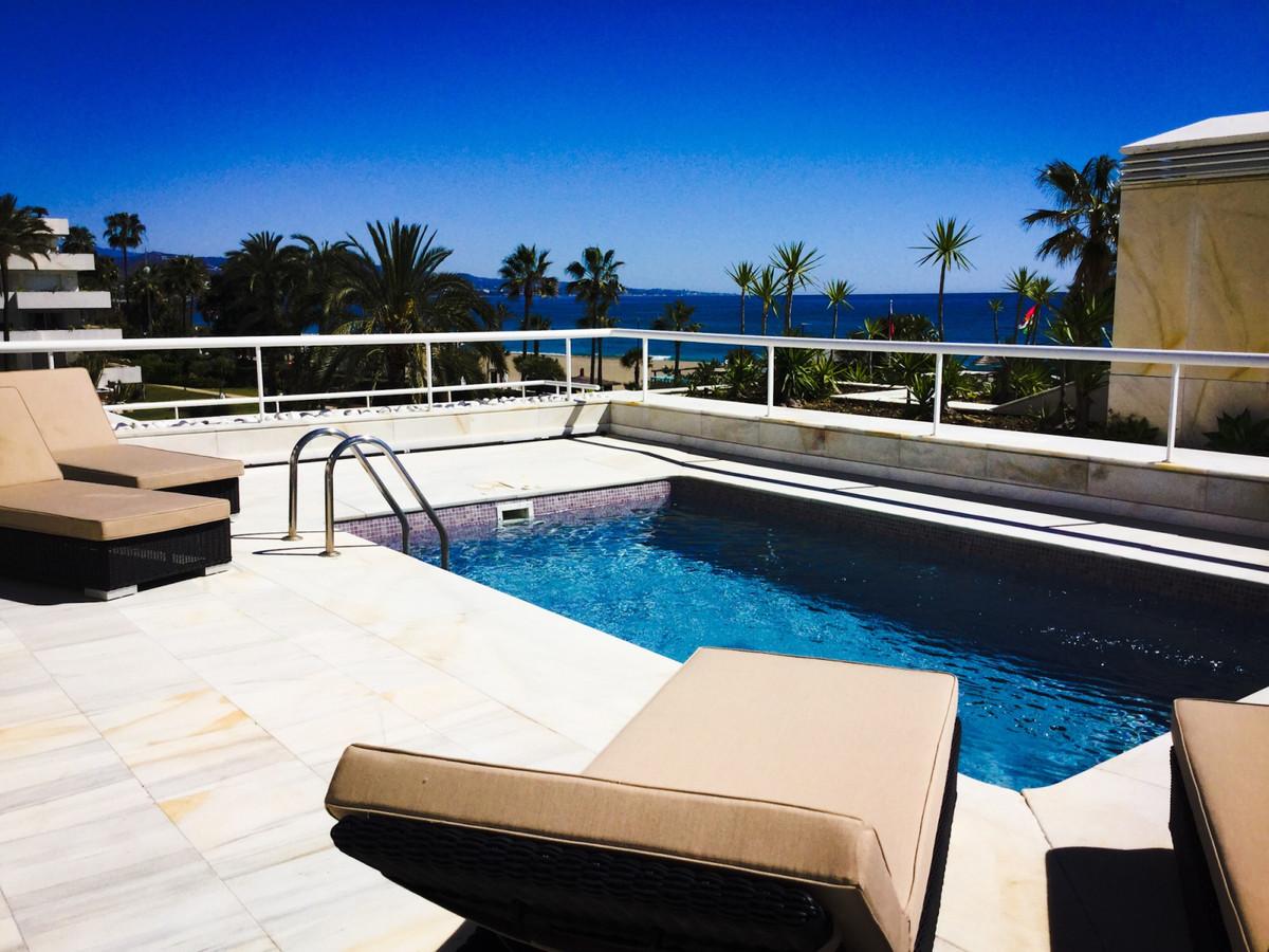 Marbella Banus Appartement à plancher moyen à vendre à Puerto Banus - R3263398