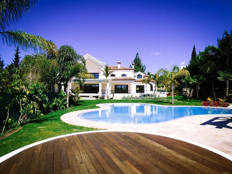 Detached Villa for sale in Nueva Andalucía R2779793