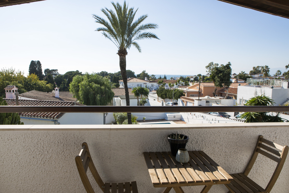 4 bedrooms and 3 bathrooms, one of the bedrooms/ bathrooms is in and annex. Garage, garden, Andalusi,Spain