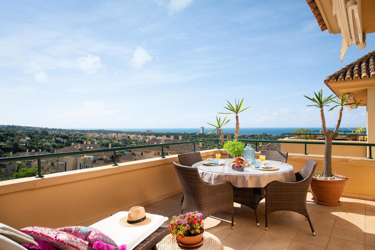 Apartamento en Venta en Elviria – R3501307