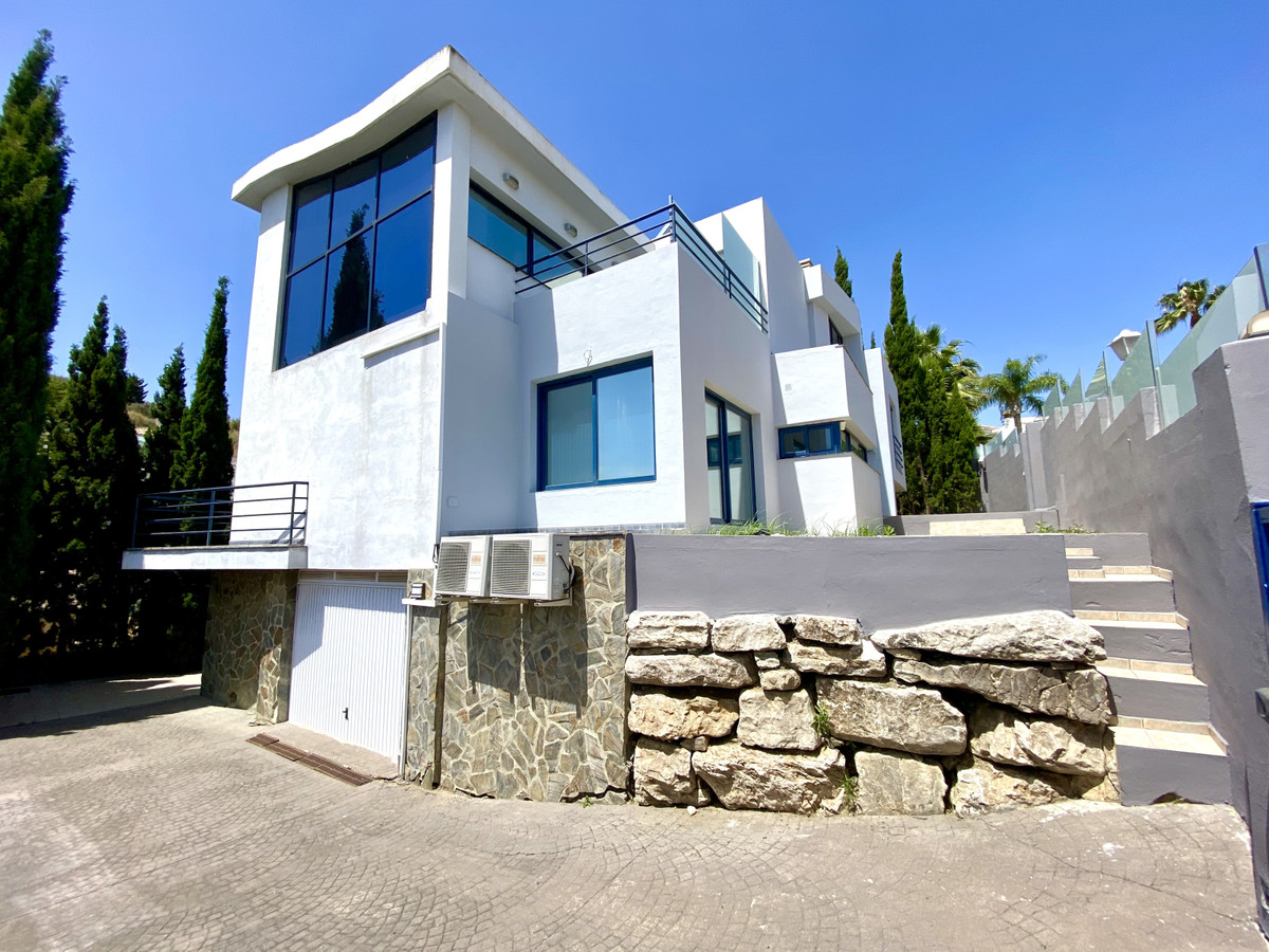 Contemporary villa located in Cerros del Aguila with climate adjustable indoor pool.   This is a 355, Spain