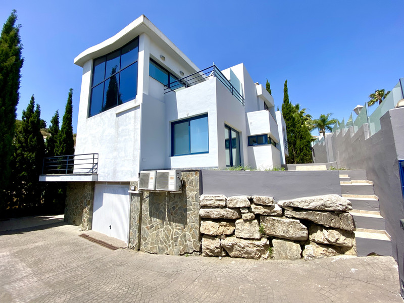 Detached Villa in Cerros del Aguila