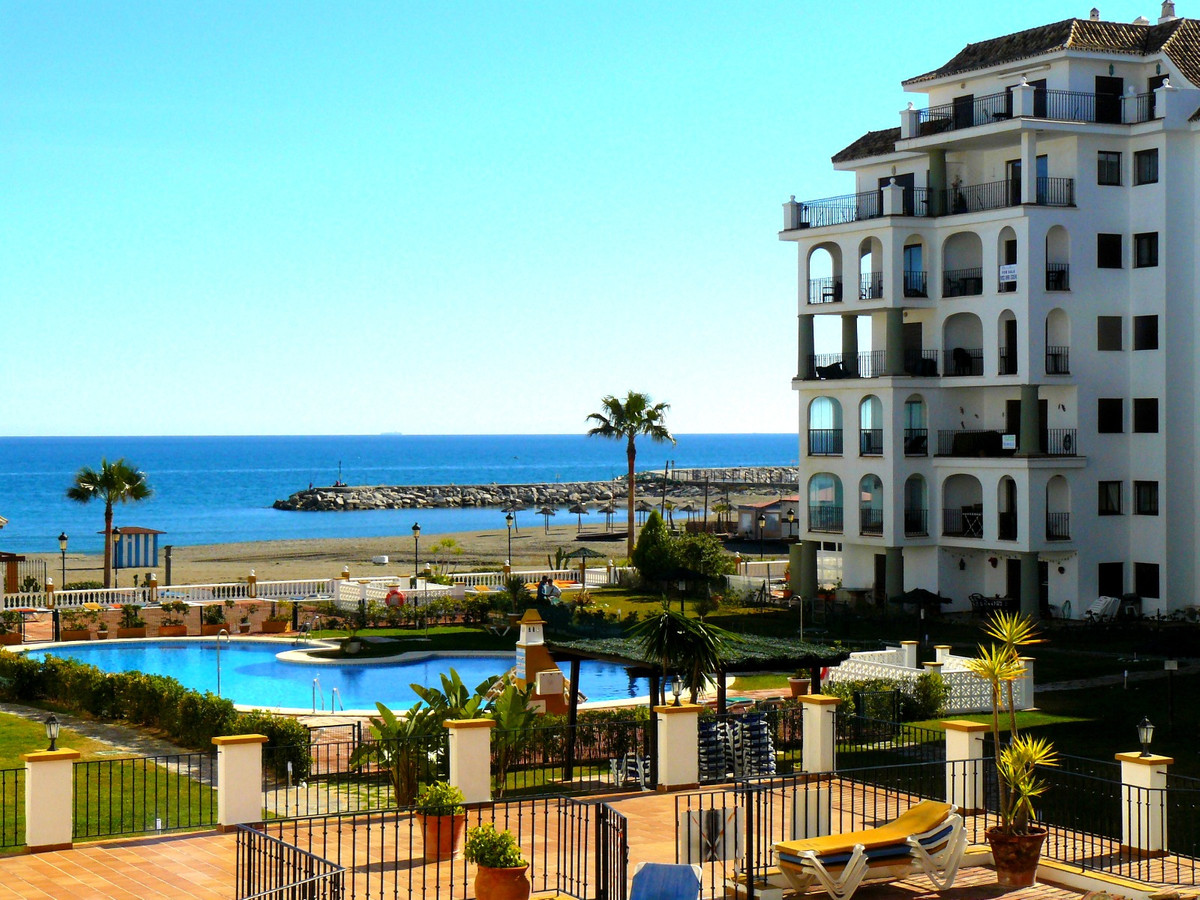 BEACHFRONT SEA VIEWS APARTMENT RIGHT NEXT TO DUQUESA PORT! West orientation 2 bedrooms and 2 bathroo,Spain