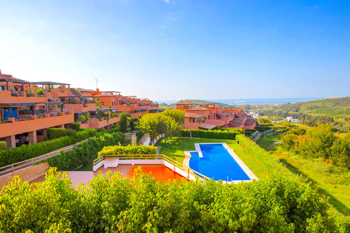 This is the best priced penthouse apartment for sale in casares Golf Gardens, a fully gated complex , Spain