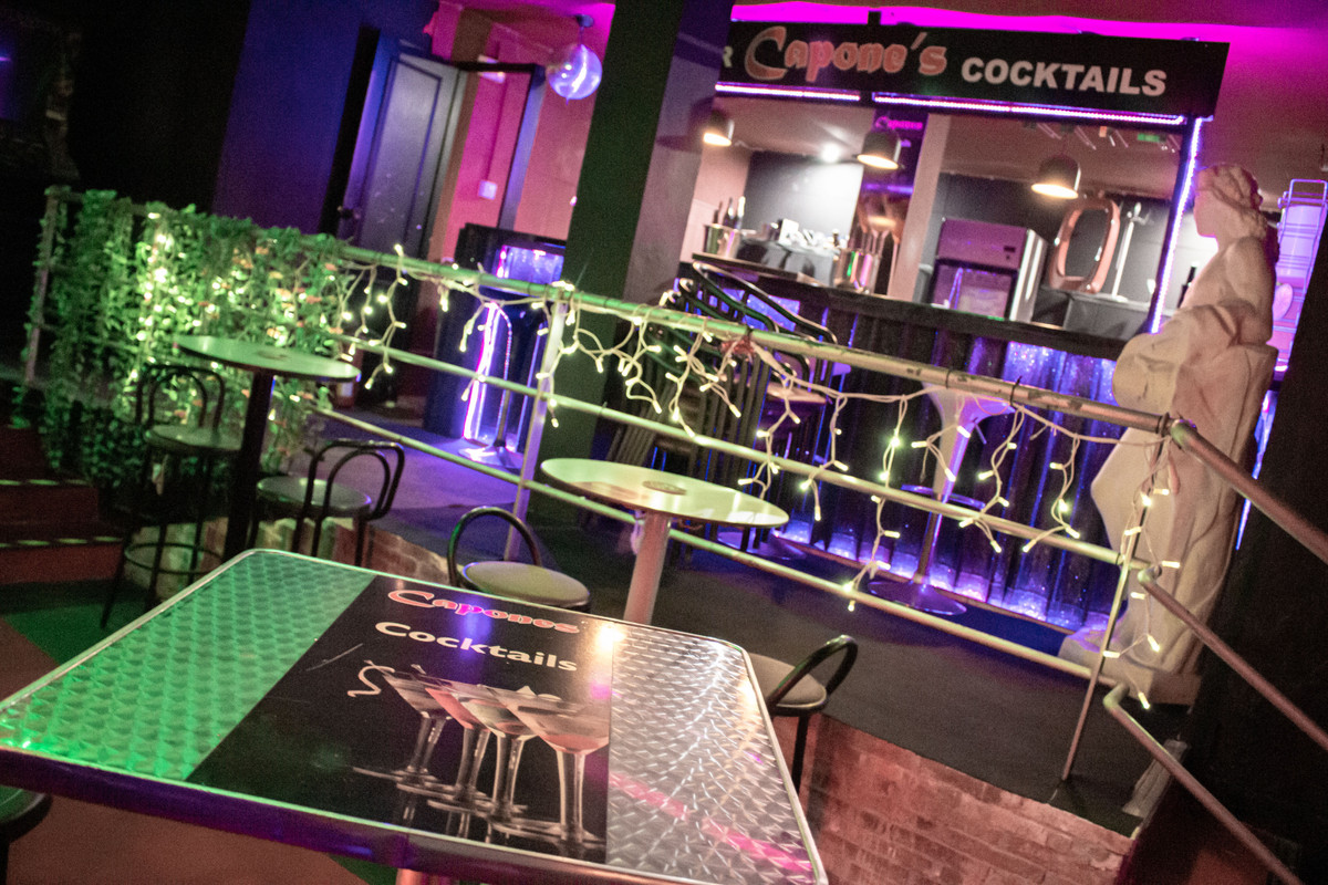 Live Music & Karaoke bar in Benalmadena Costa now available for Traspaso  This is without doubt ,Spain
