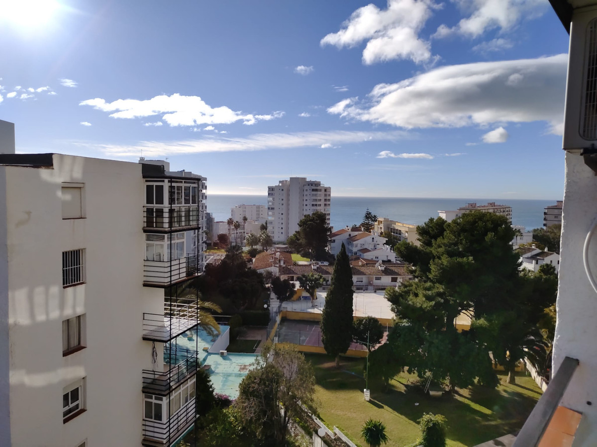 HIGH FLOOR ONE BEDROOM WITH STUNNING PANORAMIC VIEWS   Fantastic opportunity to purchase this wonder,Spain