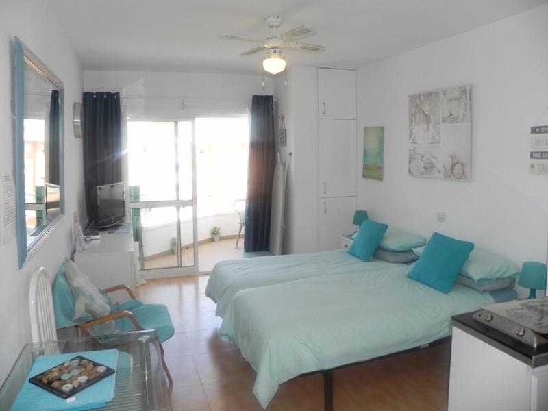 Marbella Banus Apartamento Planta Media a la venta, Torremolinos – R3667532