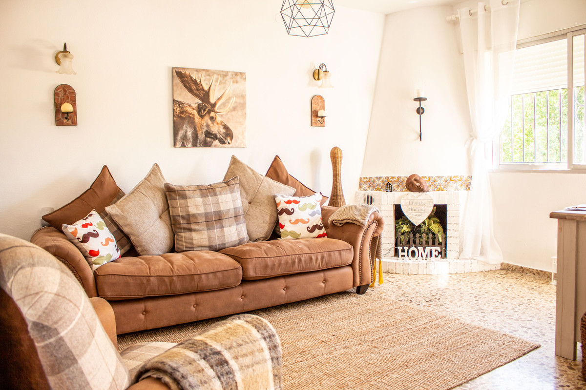 This beautifully refurbished two bedroom apartment in a quiet urbanisation close to locals parks and,Spain
