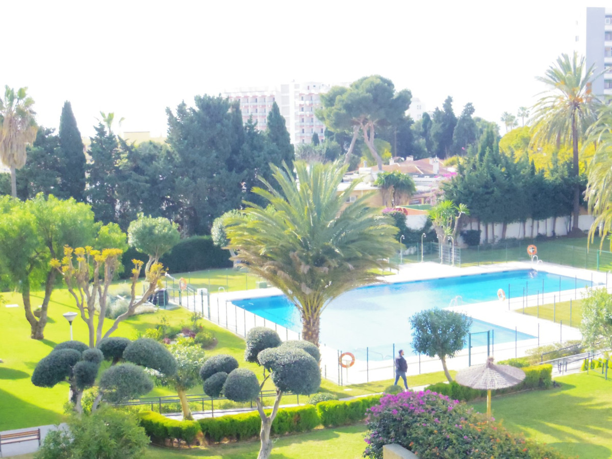 EXCLUSIVE NEW LISTING   New to the market a great opportunity to purchase an apartment in need of up,Spain