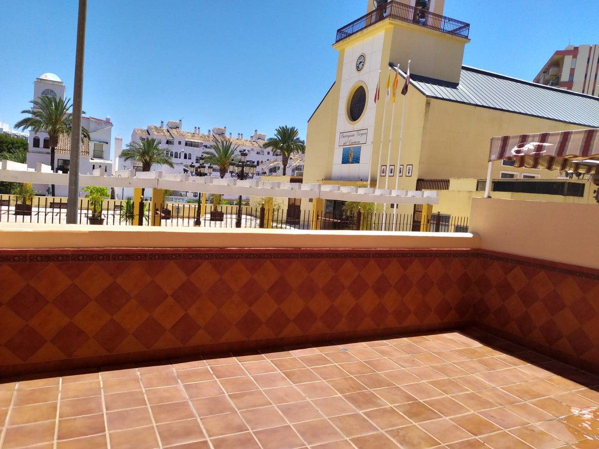 STUNNING MODERN ONE BEDROOM GARDEN APARTMENT IN CENTRAL BENALMADENA.  A great opportunity to own thi, Spain