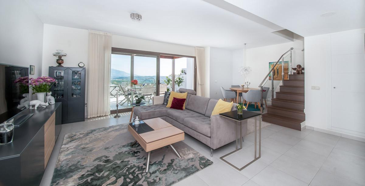 Penthouse, Calanova Golf, Costa del Sol. 2 Bedrooms, 2 Bathrooms, Built 125 m², Terrace 40 m².  Sett,Spain
