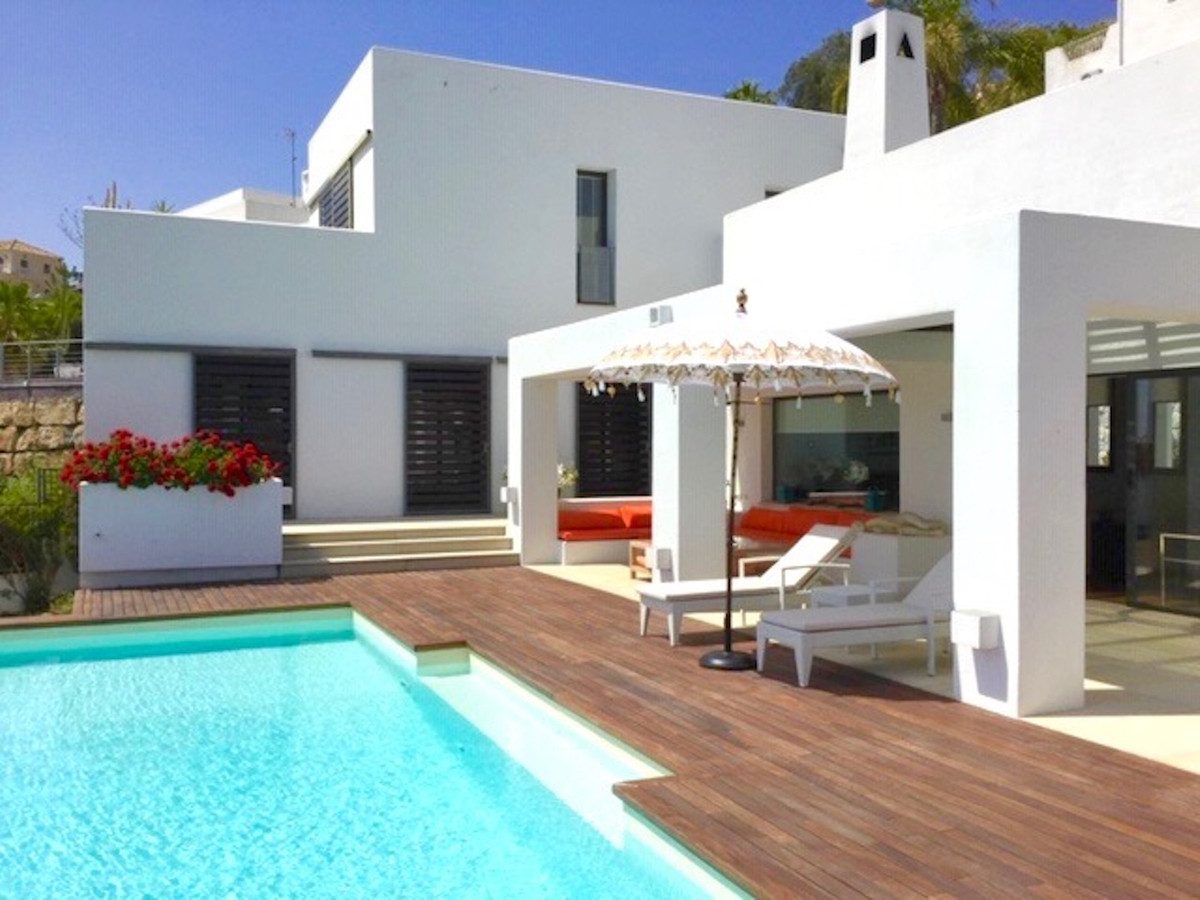 STUNNING 6 BEDROOM VILLA IN IMMACULATE CONDITION.  The property has lots of outdoor space and an inf,Spain