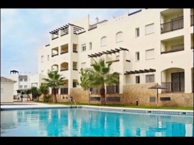 Fantastic first floor apartment in the Arenal Golf area of Benalmadena, immaculate condition, perfecSpain