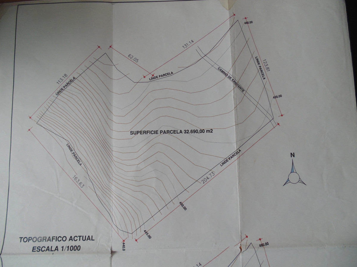 A large plot with a project for rural tourism just two kilometres south of the beautiful mountain vi,Spain