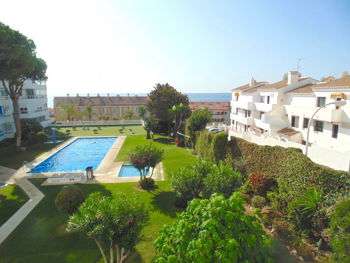 Fantastic first floor south facing corner apartment with huge sunny terrace, in an ideal location ju, Spain
