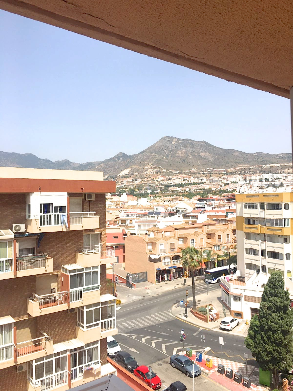 Studio apartment for sale in the Gamonal area of Benalmadena. The property is of older style but ver,Spain