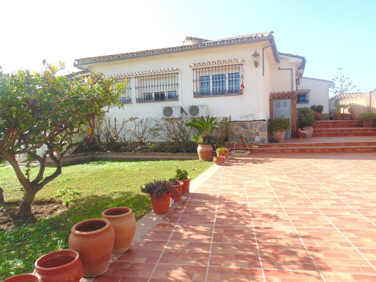 Classic Andalucian style villa in an established residential area of Benalmadena, this property has , Spain