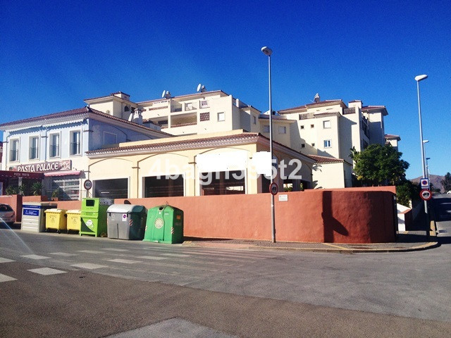 Commercial premises of 212 square metres in the popular urbanization of La Cala Hills. This is at th,Spain