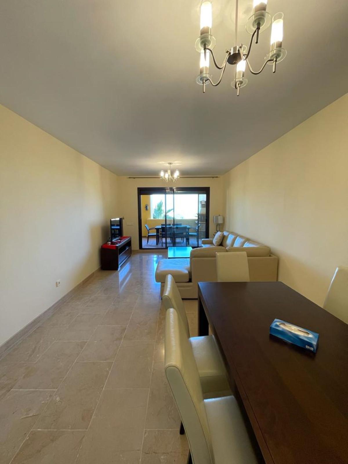 Apartment Middle Floor in La Duquesa, Costa del Sol