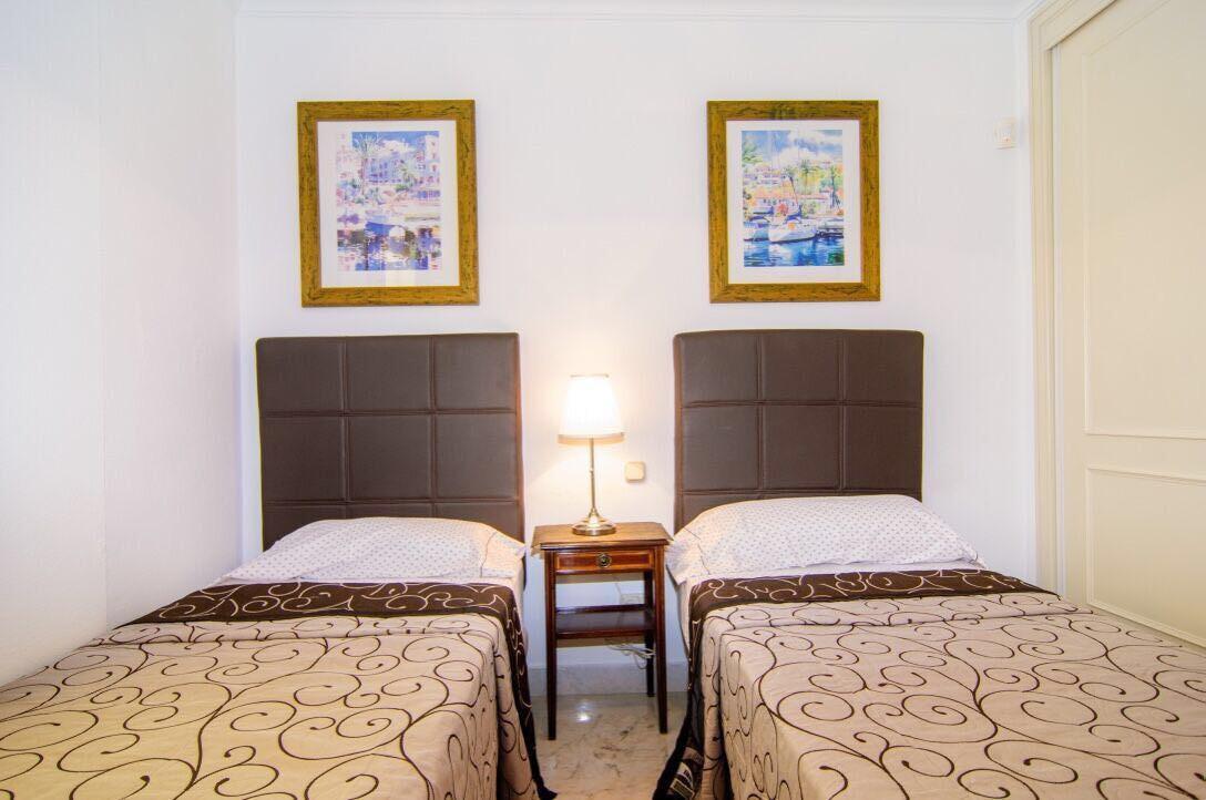 Apartment for Sale in Puerto Banus - R2994596