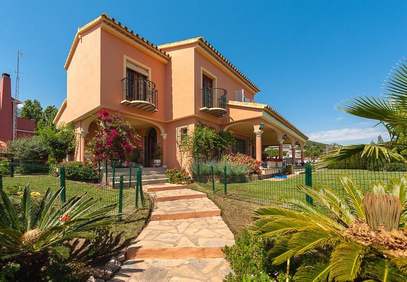 Marbella Banus Villa – Chalet en venta en Marbella – R2770040