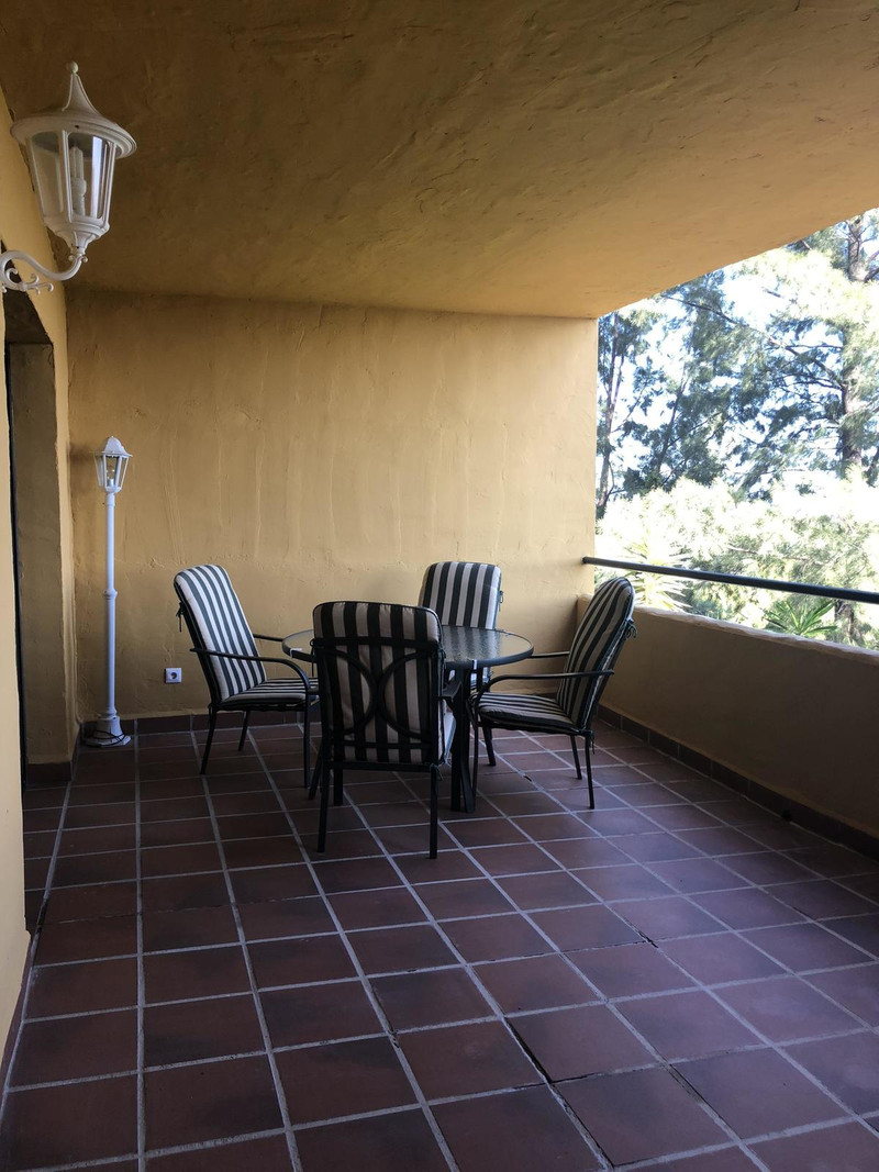 Apartamento Planta Media en venta en Selwo – R3237829