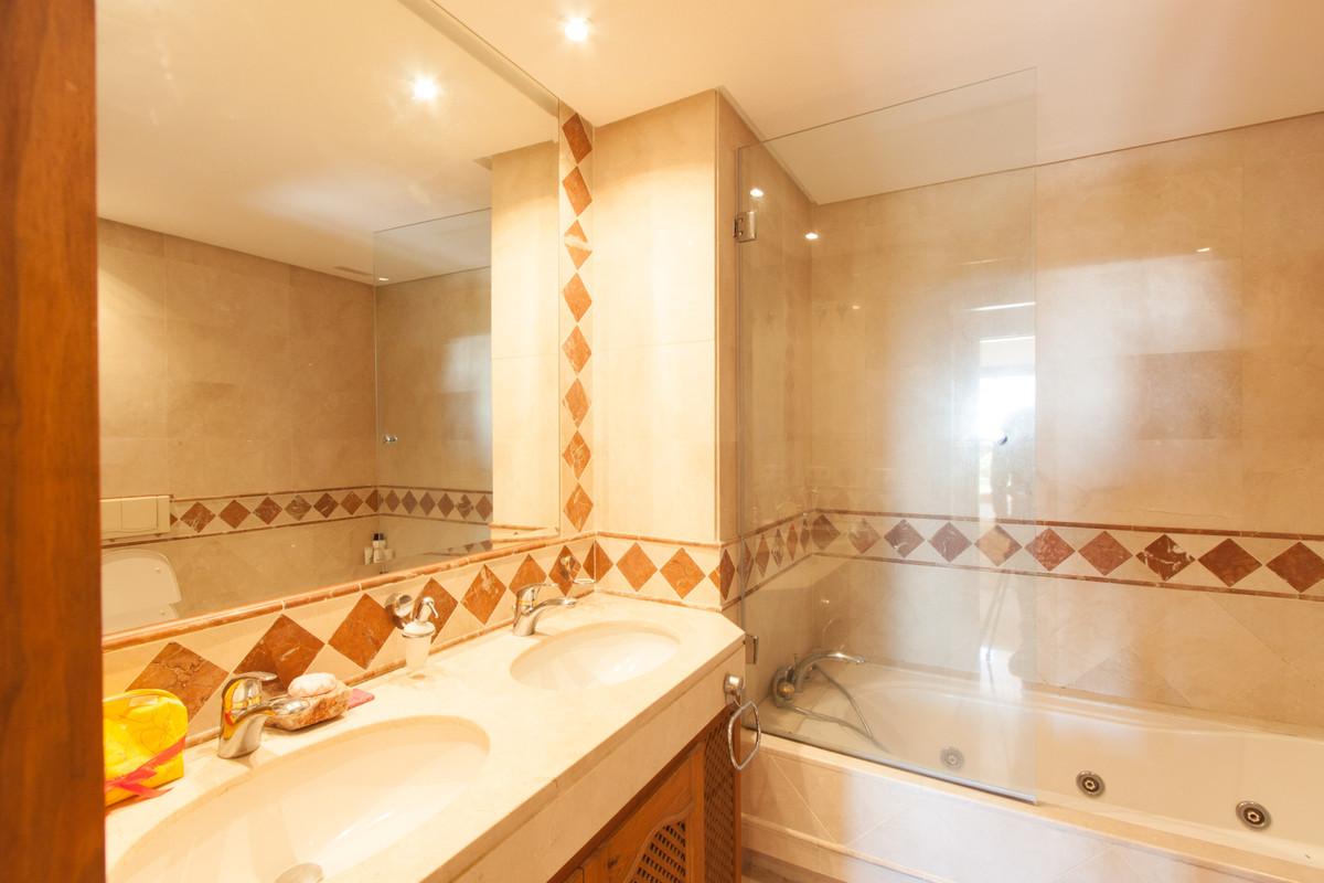 Appartement à vendre à New Golden Mile - R3783625