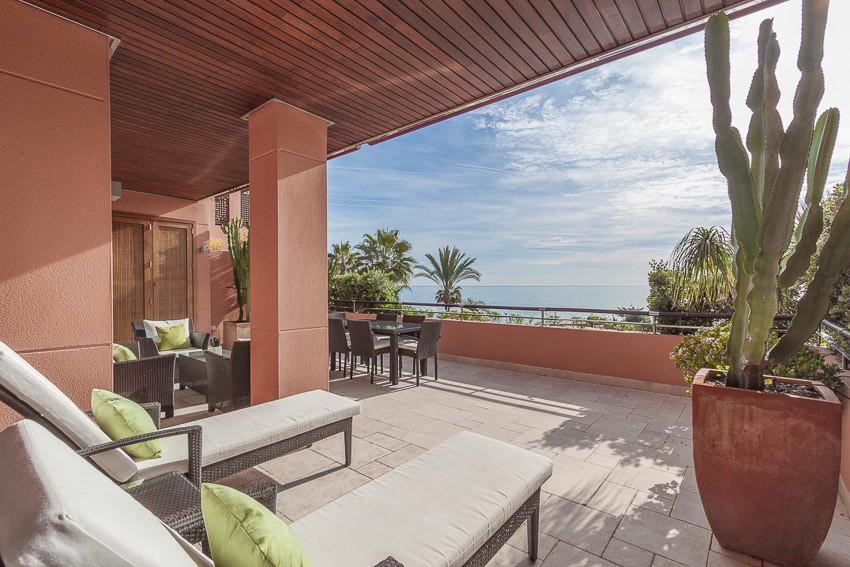 Apartamento  Planta Media en alquiler  en Puerto Banús