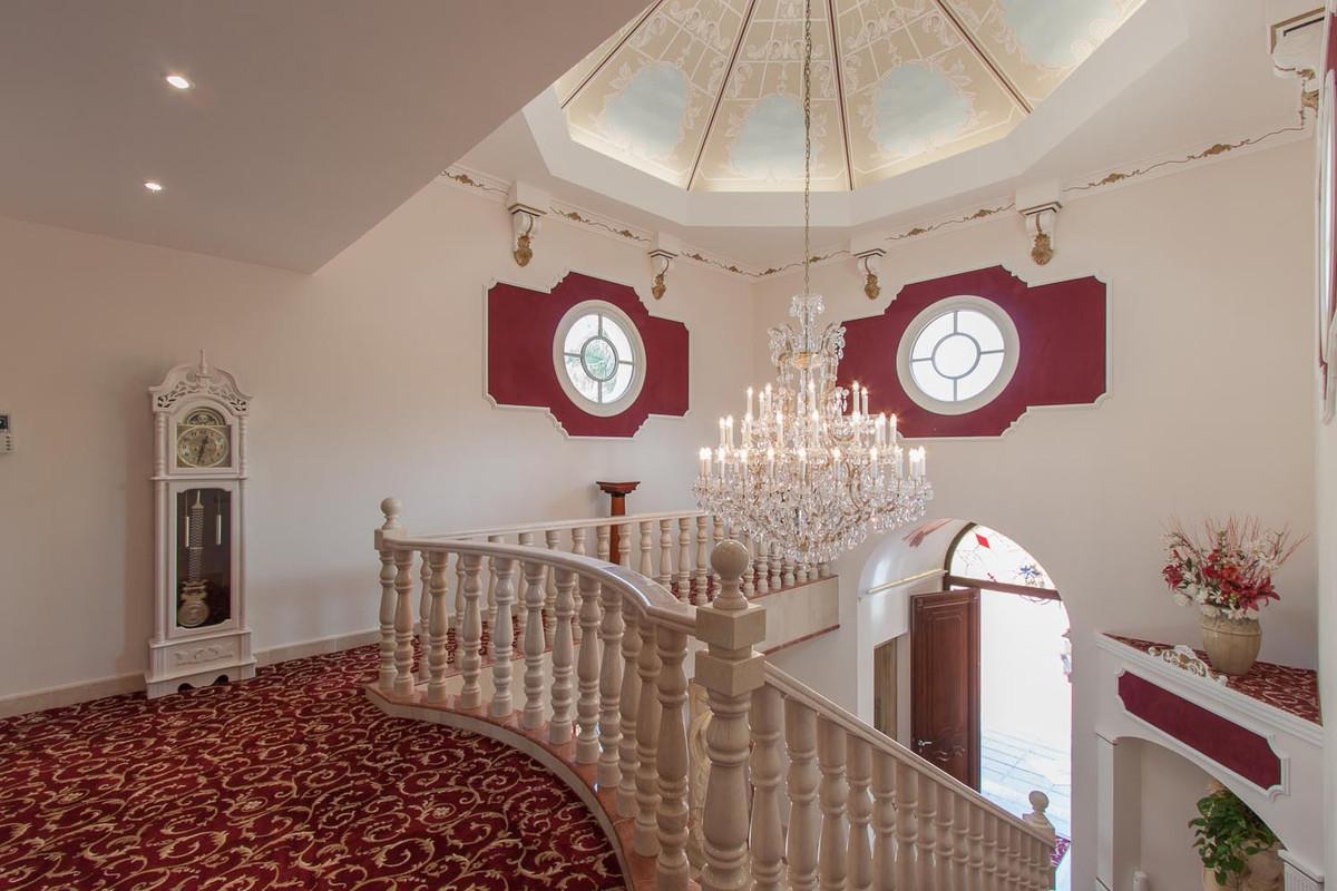 House in Benahavís R2538965 3