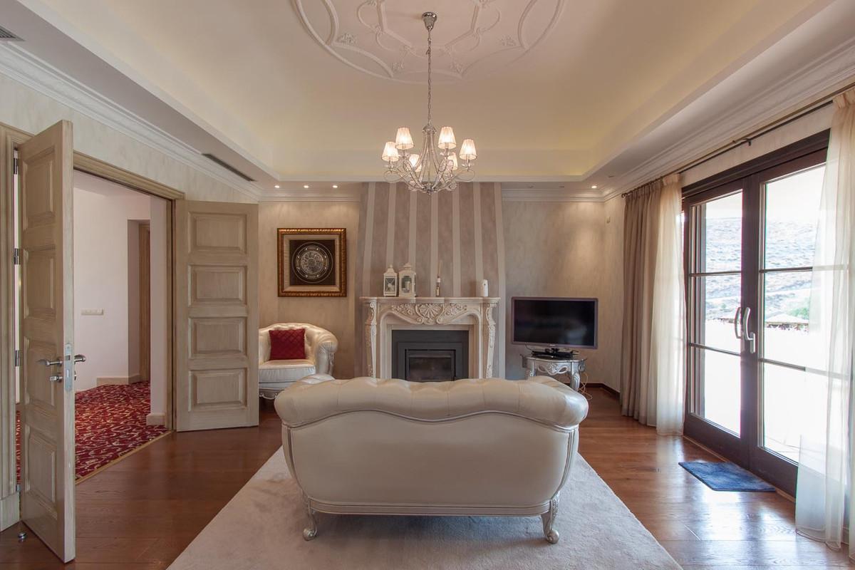 House in Benahavís R2538965 30