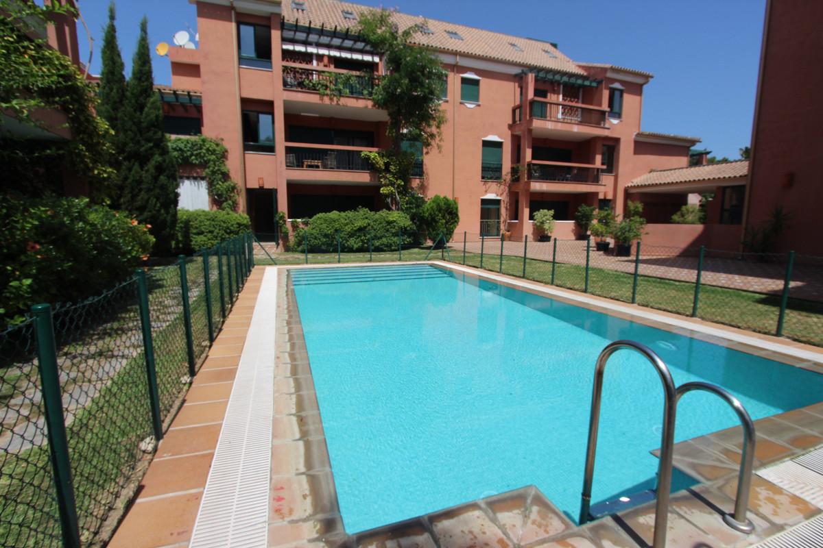 Middle Floor Apartment, Marbella, Costa del Sol. 3 Bedrooms, 2 Bathrooms, Built 141 m².  Setting : C,Spain