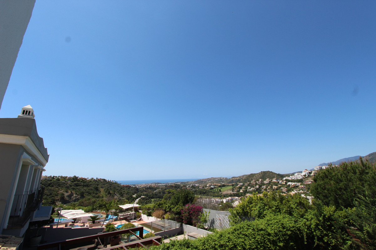 Marbella Banus Adosado en Venta en La Heredia – R3650876