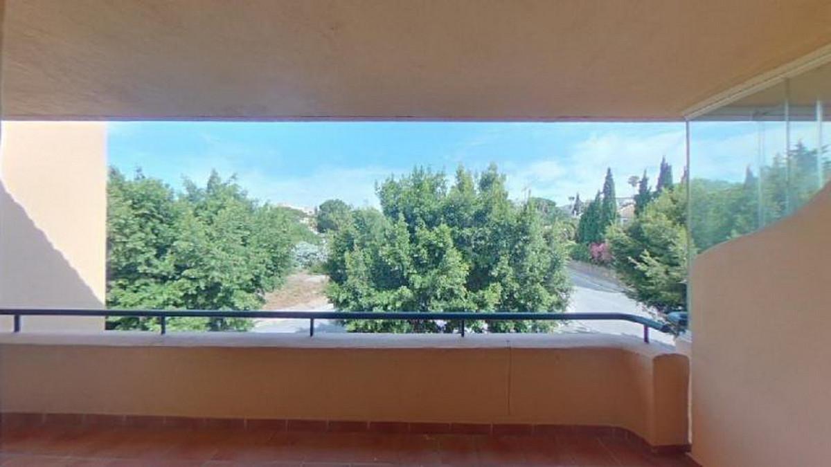 Apartamento en Venta en Elviria – R3785236