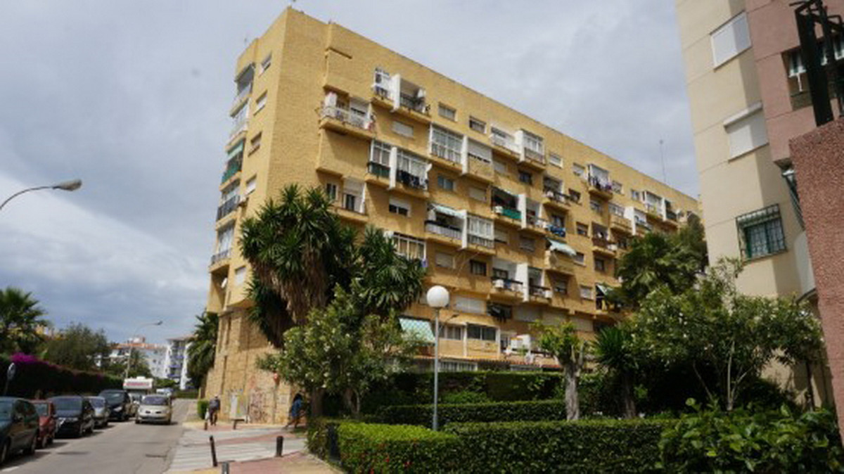 Middle Floor Apartment, Marbella, Costa del Sol. 1 Bedroom, 1 Bathroom, Built 37 m².  Setting : Clos, Spain