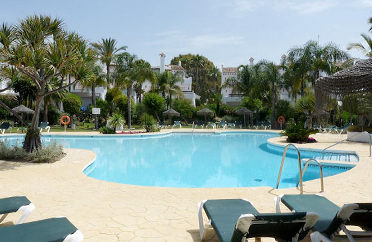 Detached Villa, Costalita, Costa del Sol. 3 Bedrooms, 3 Bathrooms, Built 273 m².  Setting : Beachfro,Spain