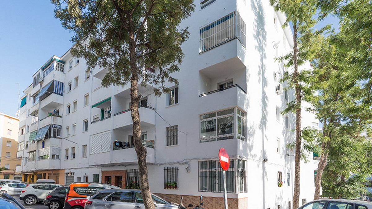 Marbella Banus Apartamento en Venta en Marbella – R3847027