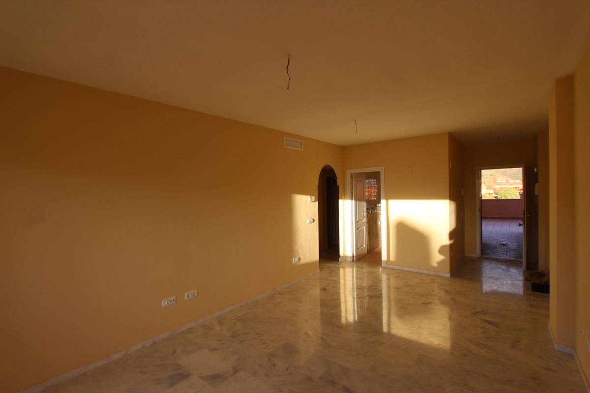 Apartamento en Venta en Elviria – R3764209