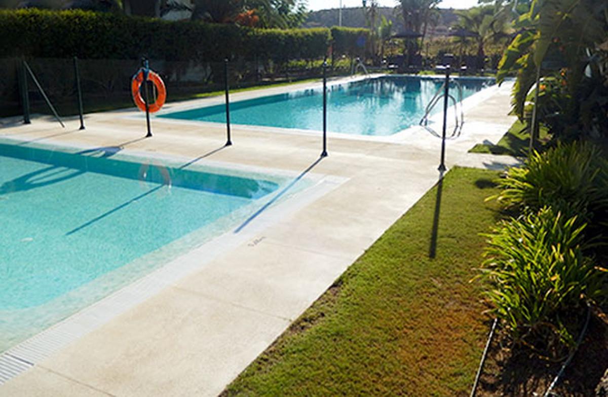 Middle Floor Apartment, Mijas, Costa del Sol. 3 Bedrooms, 3 Bathrooms, Built 296 m².  Setting : Clos,Spain