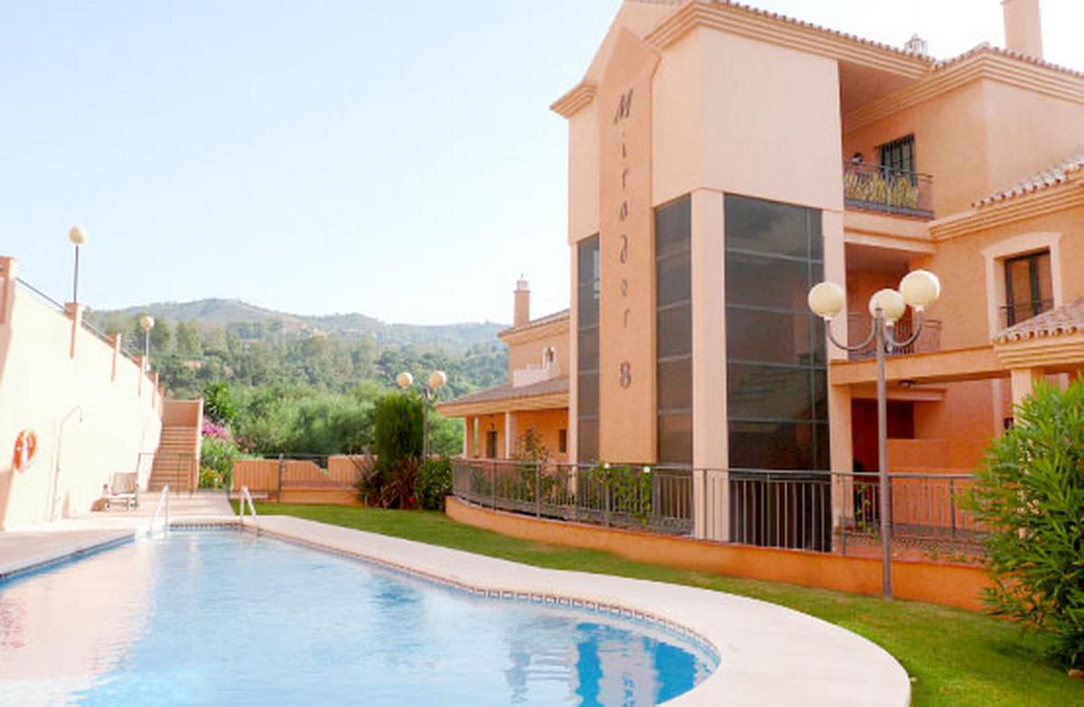 Marbella Banus Apartamento en Venta en Elviria – R3553522