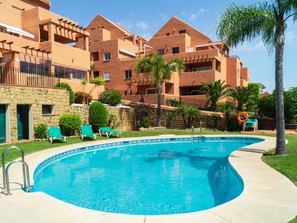 Middle Floor Apartment, Las Chapas, Costa del Sol. 1 Bedroom, 1 Bathroom, Built 61 m².  Setting : Fr, Spain